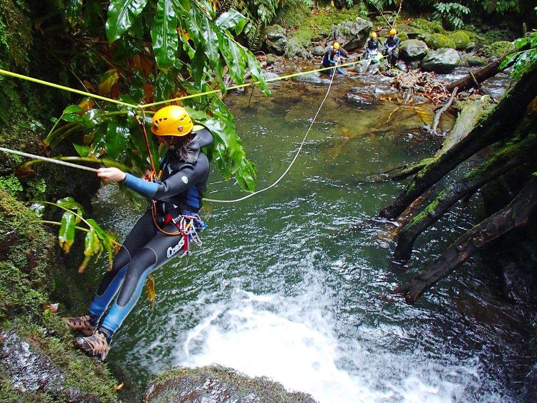 Canyoning 2 credit Futurismo Azores Adventures